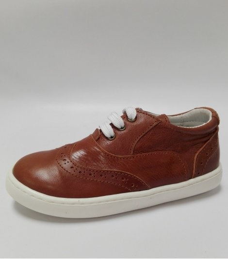 Zapato Casual en piel de color cuero con cordones